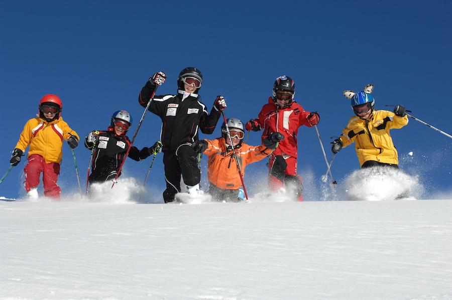 Graag op Reiskrant ovv Wintersport , Kinderen skiŒn COPYRIGHT: © by Fotowerk Nusser Aichner