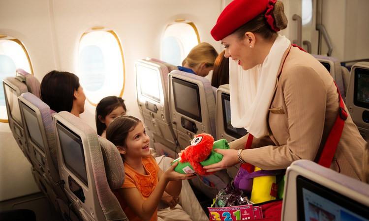 Лучшие авиакомпании для полетов с детьми