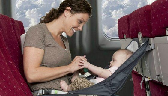 Как пережить полёт с малышом?