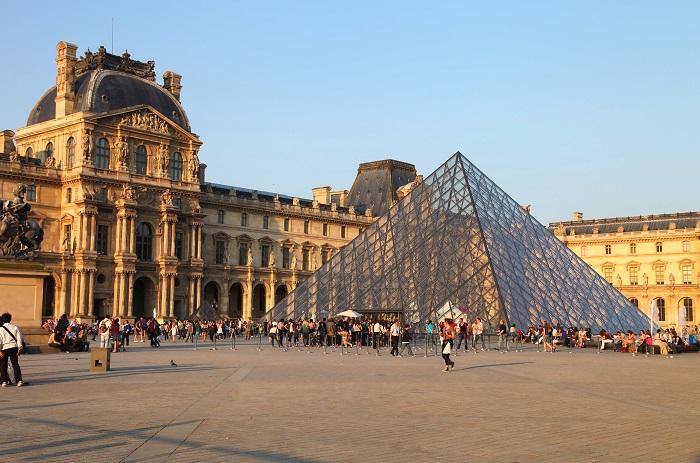 10 секретов Лувра