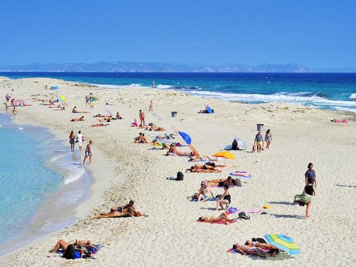 playa-de-ses-illetes-formentera-spain
